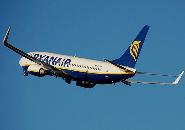 c99a985cd62 Voos baratos Ryanair LOW COST desde 9.99 euros - 100crise